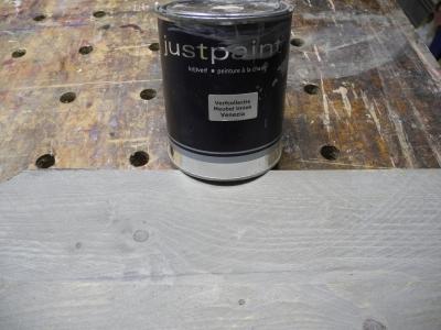 """Met verdunde krijtverf zijn ook meerdere kleuren toe te passen als """"washeffect"""""""